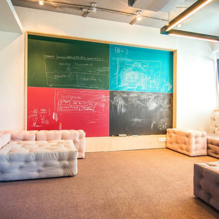 brainstorm_creative_room_happy-monday_2