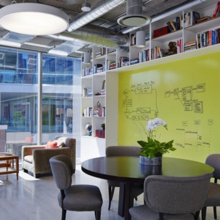 brainstorm_creative_room_happy-monday_3