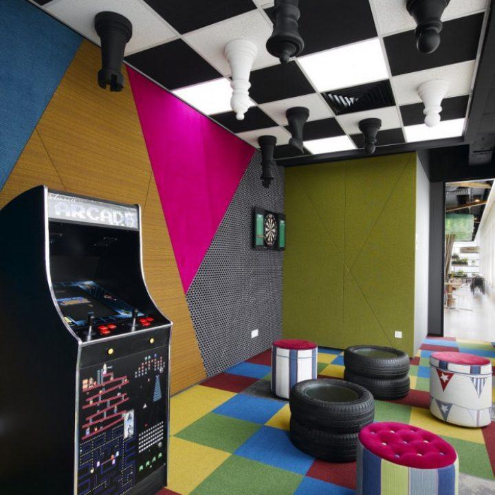 game_room_happy_monday_5